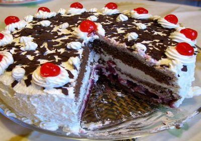 Schwarzwalder kirsch torte